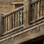 H1 . Wood Railing